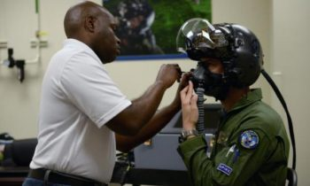 Air-Force-issues-new-advanced-helmet-for-F-35-pilots