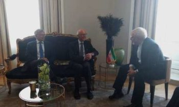 Zarif confers with Norway's former PMs