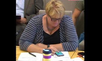 Norwegian politician caught playing 'Pokemon Go' during Parliament hearing