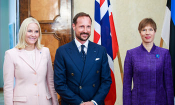 Crown prince, princess of Norway arrive at Kadriorg Palace