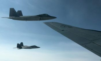 US F-22 Stealth Jets Take on Norway's F-35 in Simulated Dogfights