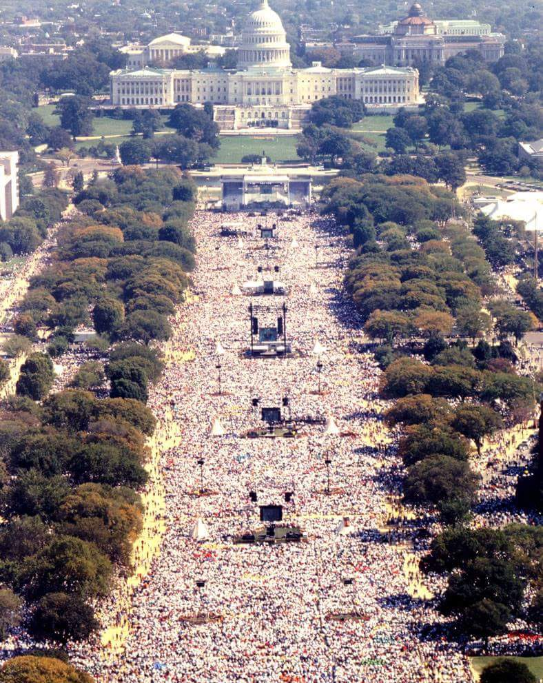 Dr.K.A.Paul addressing outside White House with 1.4 Million attended.