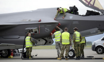 Norwegian F-35 maintainers service American jets in historic first-time visit