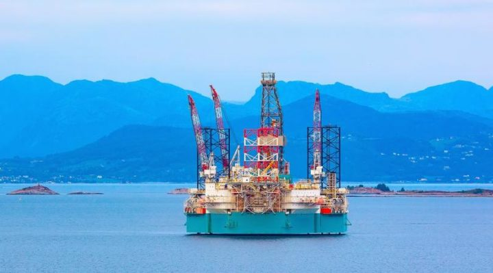 Pressure builds on Norway to change tack and cut out oil faster