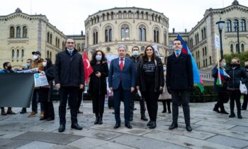 Azerbaijanis in Norway condemning Armenian