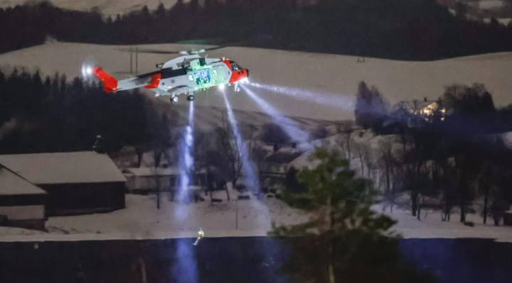 Norwegian rescuers hunt for missing after landslide