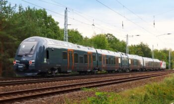 Aluminium bodied Black flirty hybrid train moves to Norway from Siedlce plant